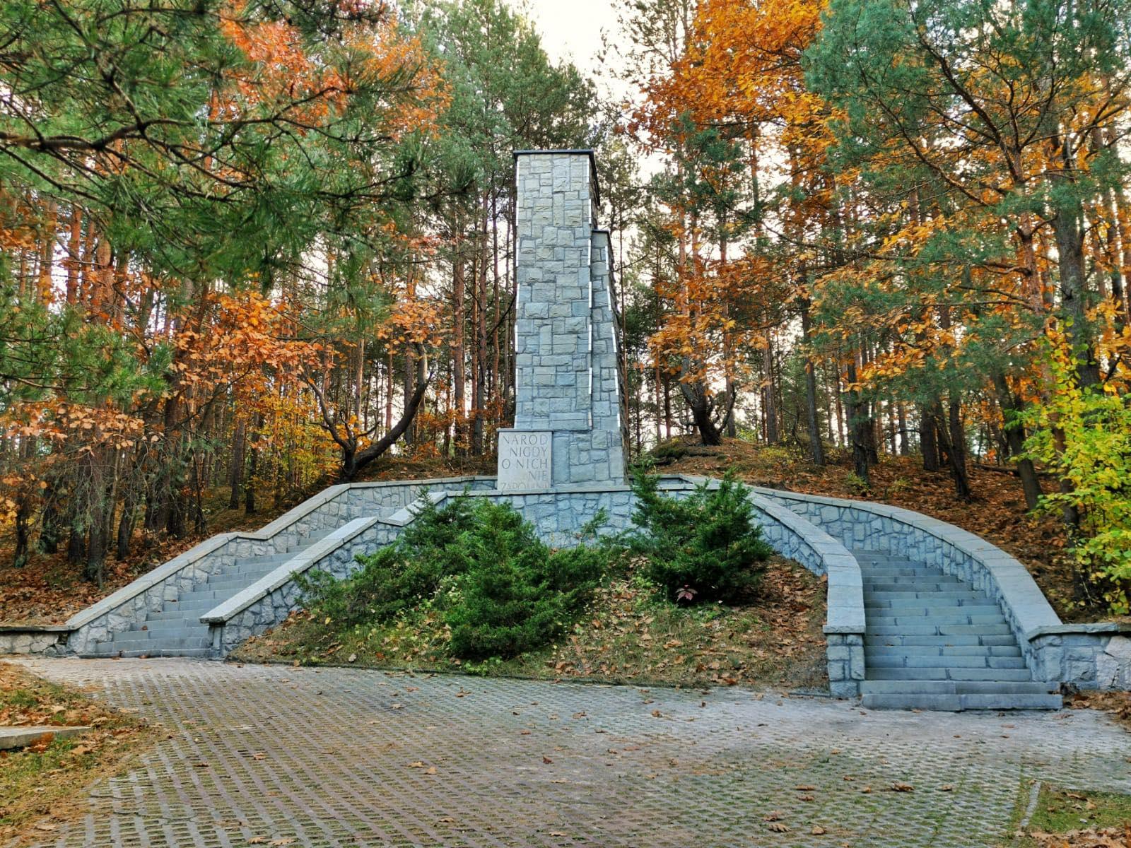 pomnik na miejcu straceń
